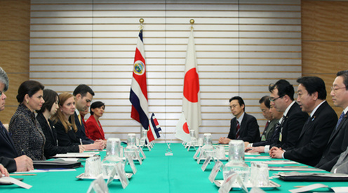 (Photo)Meeting between Prime Minister Yoshihiko Noda and H.E. Mrs. Laura Chinchilla Miranda, President of the Republic of Costa Rica-2